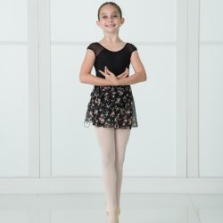 Young Ballet Dancer on Pointe