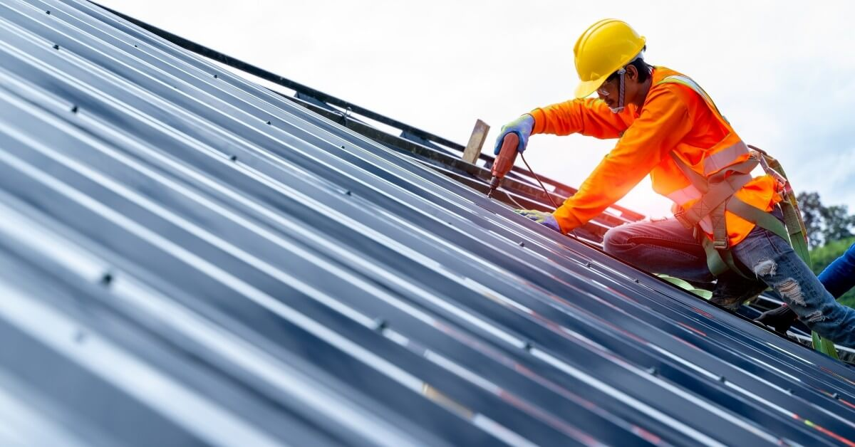 Commercial Roofing Contractors Fort Collins What To Look For In A Commercial Roofing Contractor