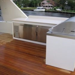 Yacht Wine Storage - Outdoor Entertaining