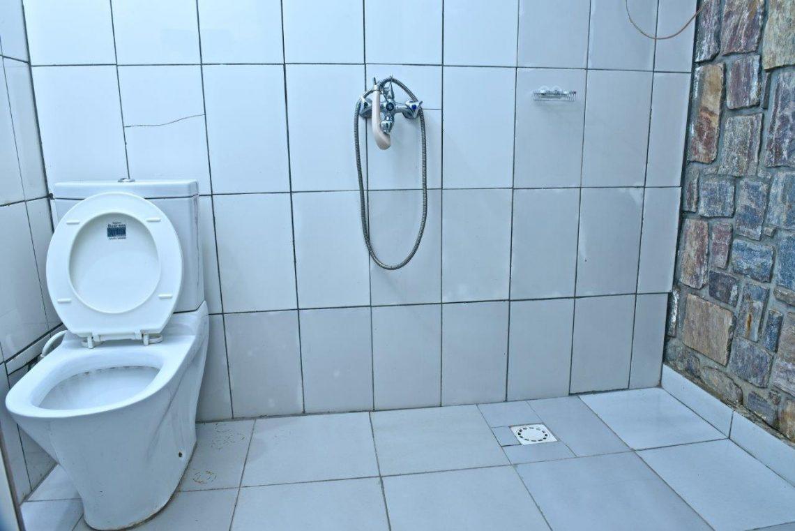 Discover Rwanda Bathroom