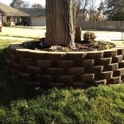 Paving stone retaining wall