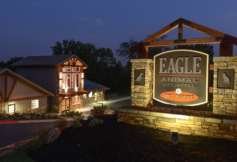 Eagle Animal Hospital and Pet Resort at night