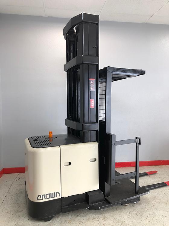 CES-21069-Crown-SP3000-Order-Picker-Orig