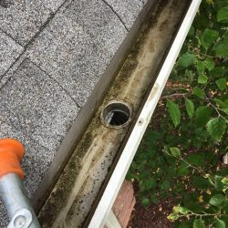 Gutter cleaning and repair in Nashville