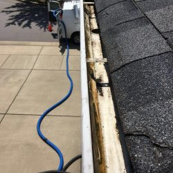The best gutter cleaning services in Nashville