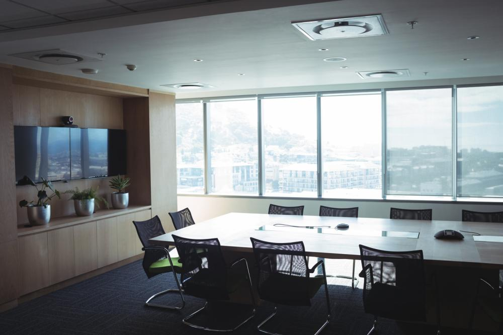 corporate workplace making use of natural lighting