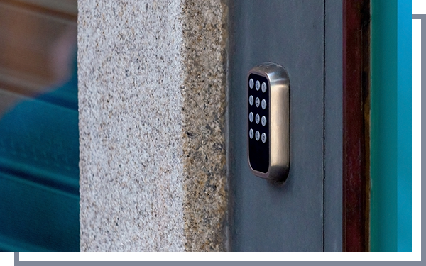 Image of a keyless entry system on a door.