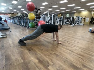 Proper-Warm-Up-Exercise-Spiderman-Pump-Stretch-Plank-1-5c1ab66985b3f