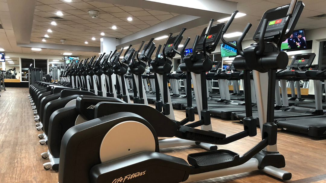 Cross trainer elliptical trainers in the gym