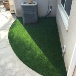 Artificial Turf Corner Outside of a SoCal Home - Five Star Turf Commercial