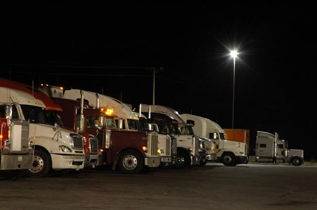 trucksparkedatnight