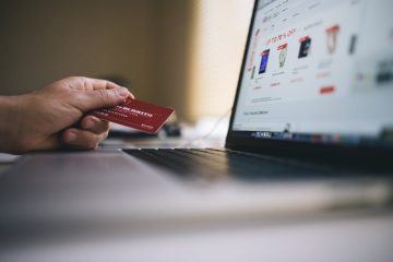 Person paying online with credit card