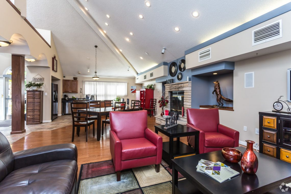 The clubhouse seating or living area at Gateway Place Apartments