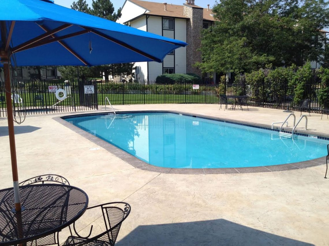 A swimming pool at Gateway Place Apartments