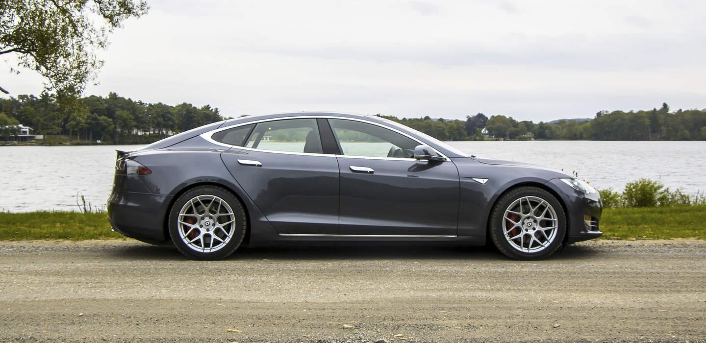 2016 Tesla Model S P90D | Boston Tesla Rental | GSD Rides