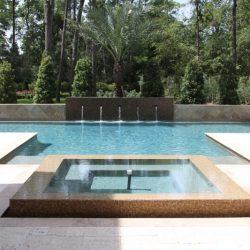 Custom pool with infinity pool section - Hipp Pools