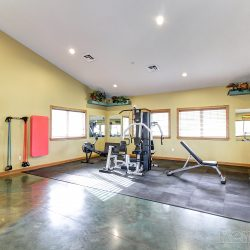 An image of a weight lifting room.