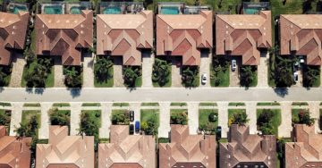 Aerial view of homes in Florida.