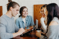 Benefits of Trivia Games for Corporate Team Building