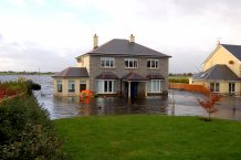 Image of House on a lakeside flooding