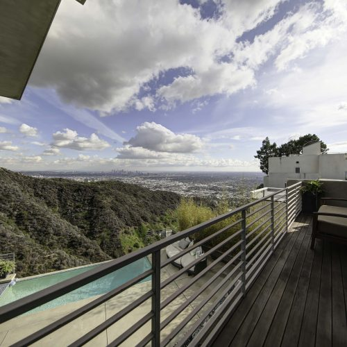 Photograph of a great view from a Los Angeles balcony - Keeprshots