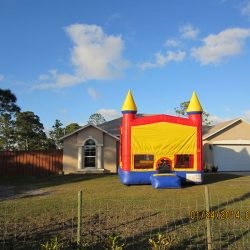 Kid's Bounce House To Rent