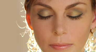 Look and feel your best with stage makeup you'll love in Austin.