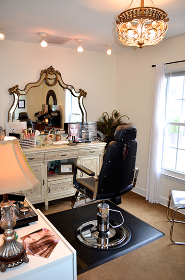 Make an appointment with Austin's premier makeup artists now!