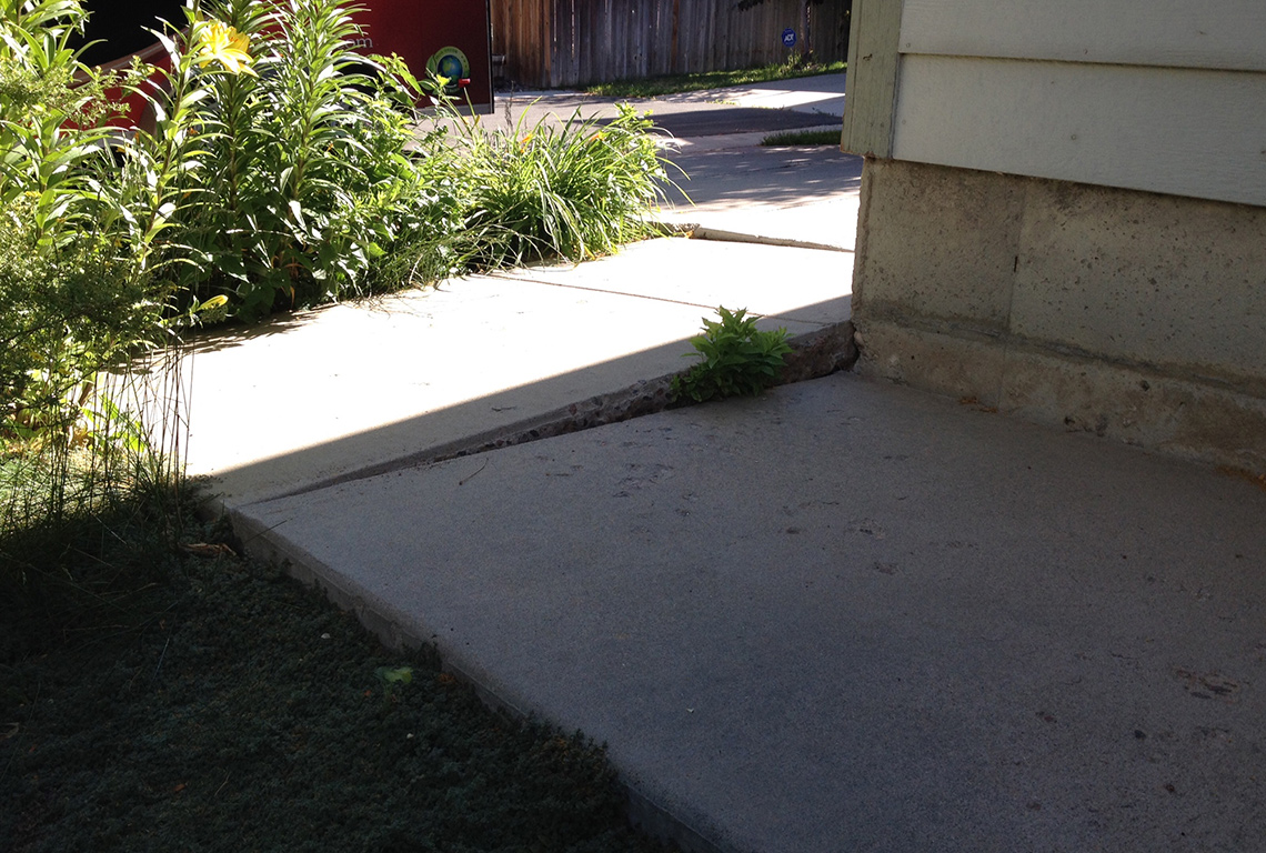 Residential walkway before being repaired by Liftech