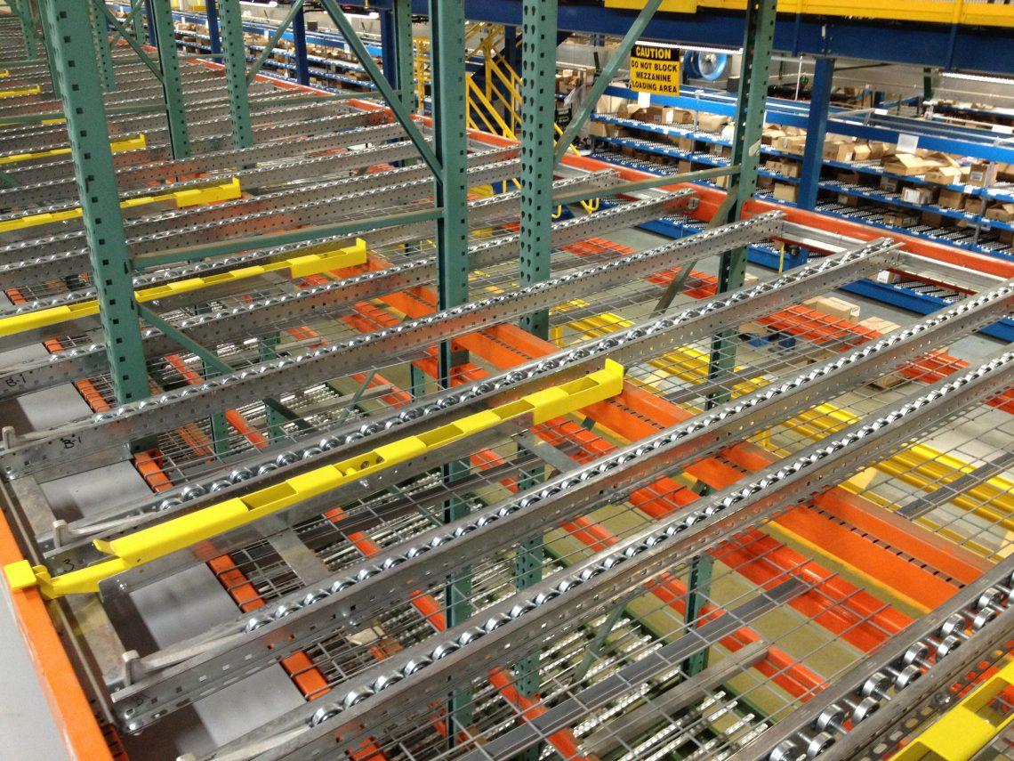 Case-pick separator for pallet flow lanes - Mallard Manufacturing