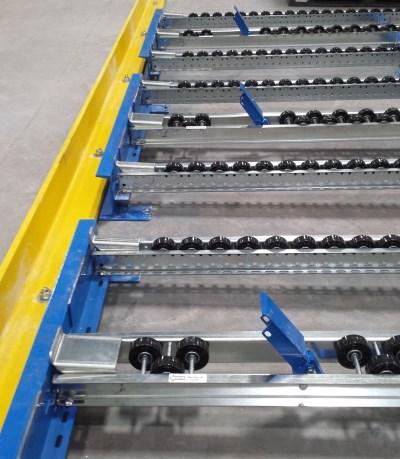 Layer pick pallet flow rack separator