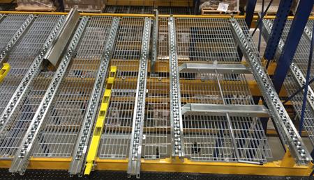 Case-Pick pallet separator