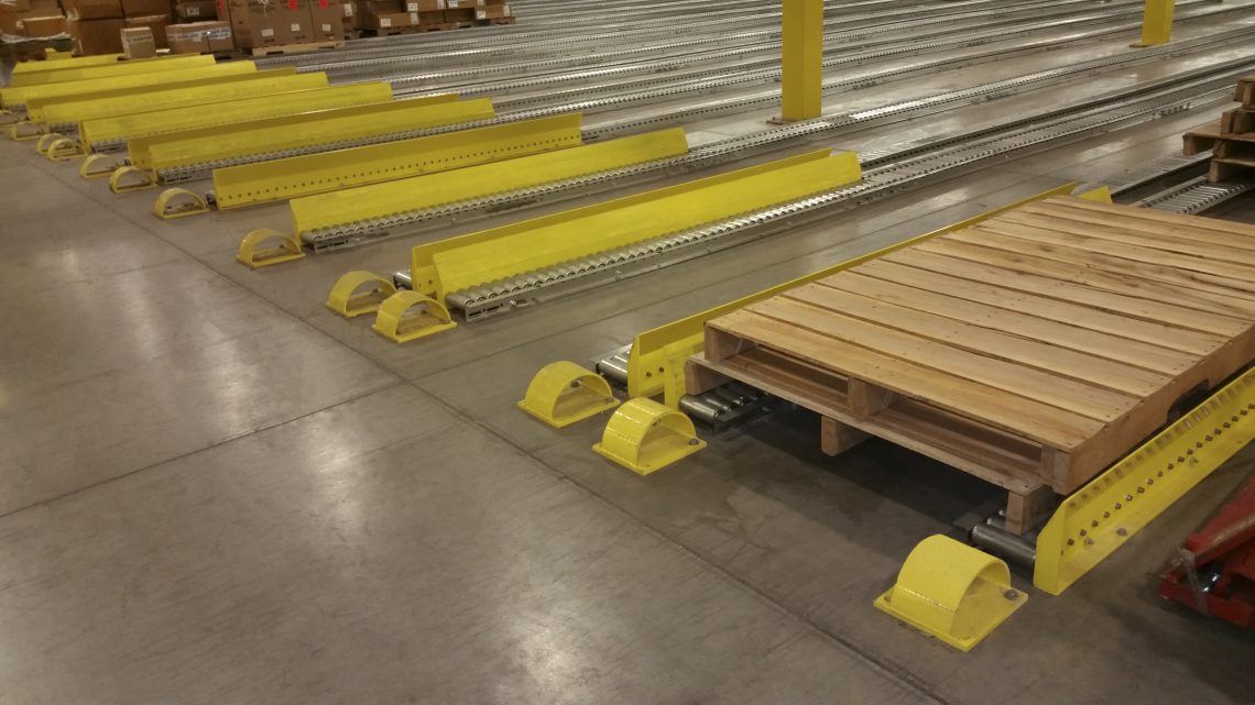 Floor-Mounted Split-Roller Pallet Flow - Mallard Manufacturing