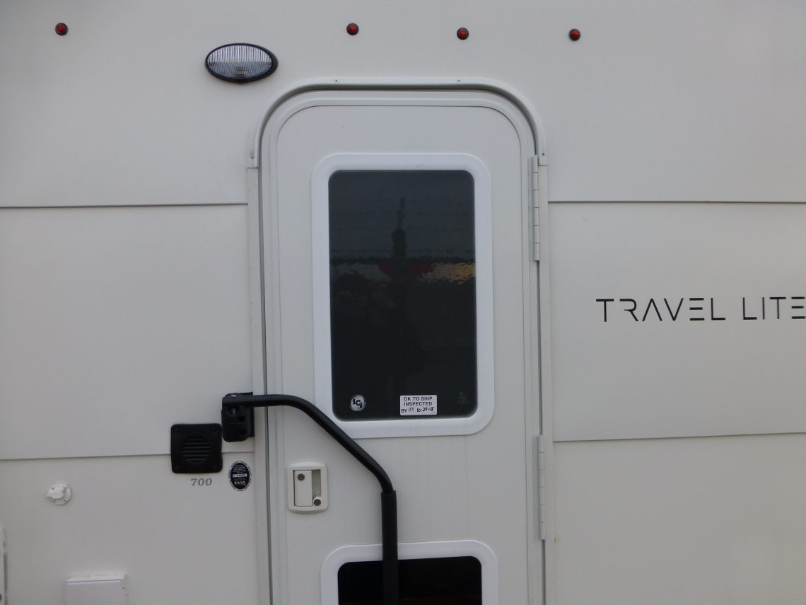 2019 Travel Lite Truck Camper 700, $13,998 **CLOSEOUT