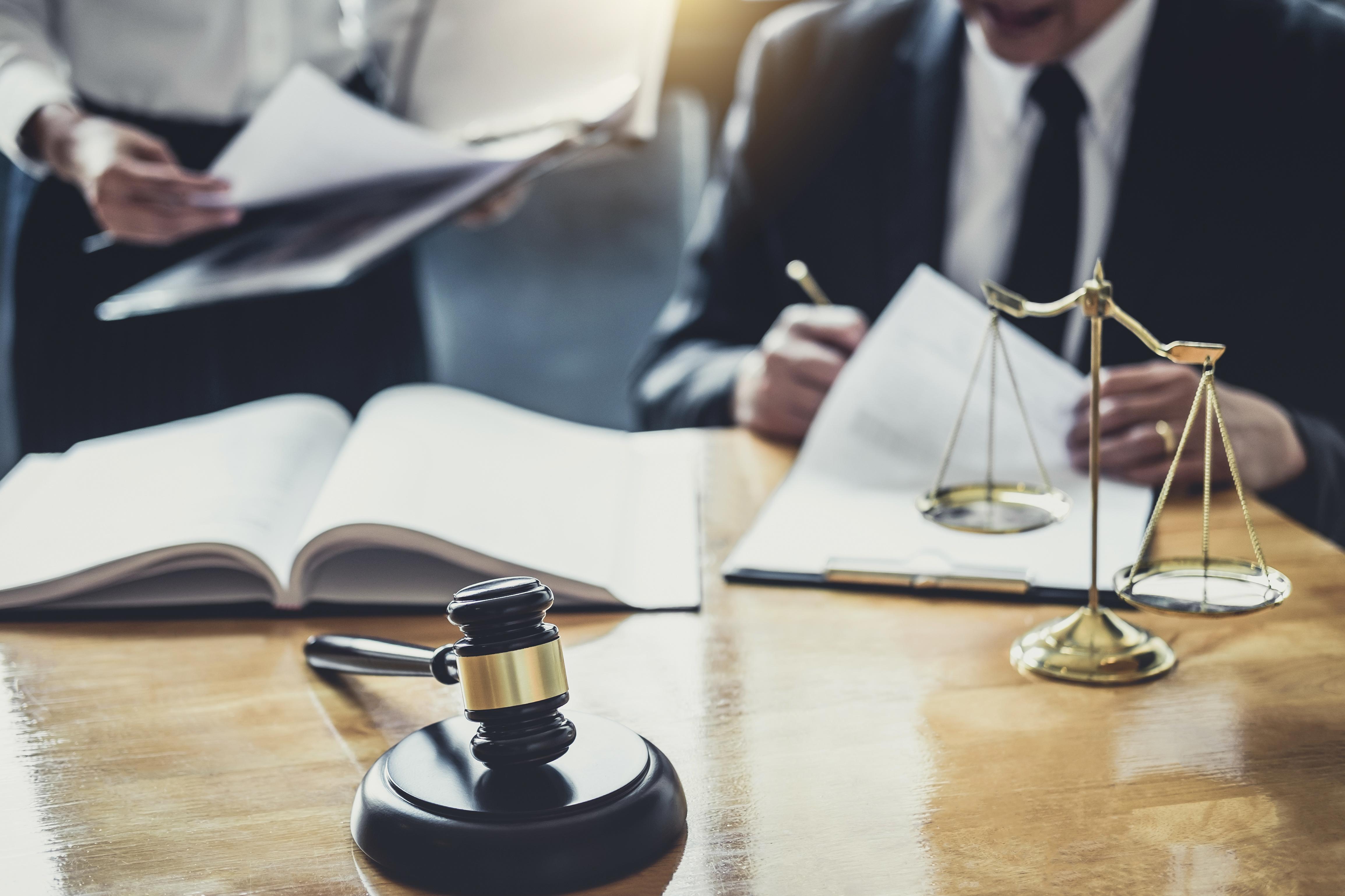 lawyer file injury case