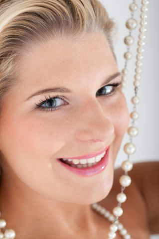 Keep your pearly whites looking good with the help of a local dentist.