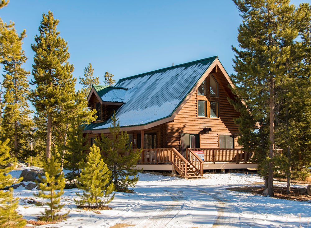 log home for sale in Grand Lake
