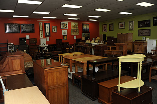 Pleasant Consignment Furniture Donate Your Furniture In Boulder Home Interior And Landscaping Analalmasignezvosmurscom