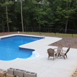 Stunning L-Shape Vinyl Pool with Beautiful Entry Steps
