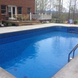 Gorgeous Rectangle Vinyl Pool with Tanning Ledge