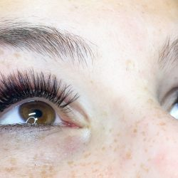 Completed eyelash tinting - Oasis By Plush