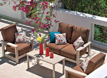 Parr's offer beautiful wood patio furniture for less.