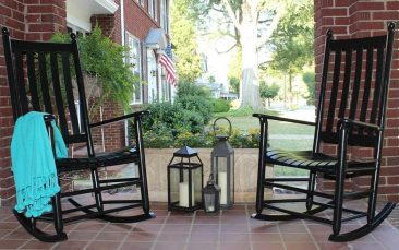 Save more on wooden rockers with Parr's