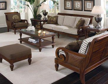 We offer beautiful indoor and outdoor rattan sofas.