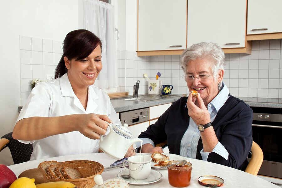 Caregiver in Smyrna GA: Elder Care Services