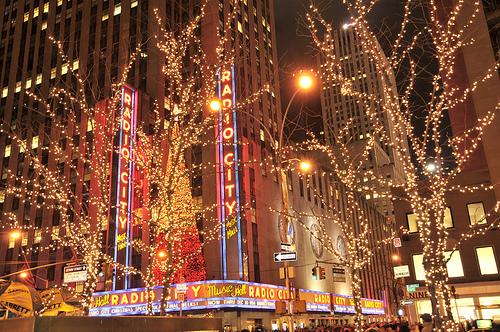 Nyc During Christmas.Christmas In Nyc Holiday Lights Limo Tour Preferred