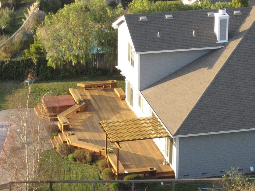 calgary-landscaping-deck-5c7981bd6a366
