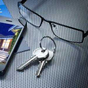 keys-glasses