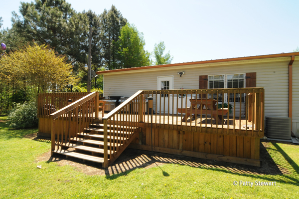 Mobile home steps fabulous spa and mobile home steps with for Wooden porches for mobile homes