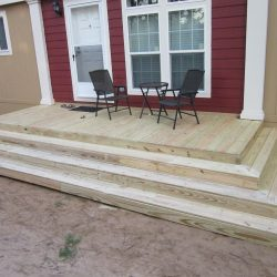 A three-sided step deck on a mobile home - Ready Decks